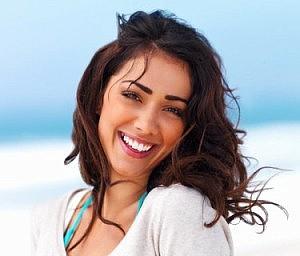 pretty-woman-with-bautiful-smile